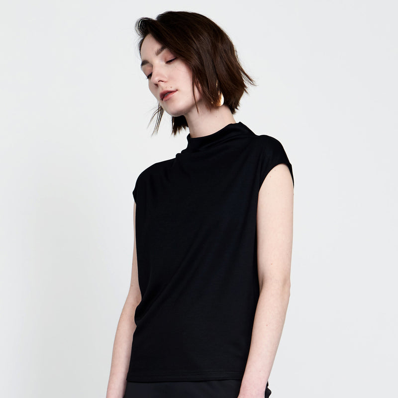 Basic Sleeveless High-Neck Top