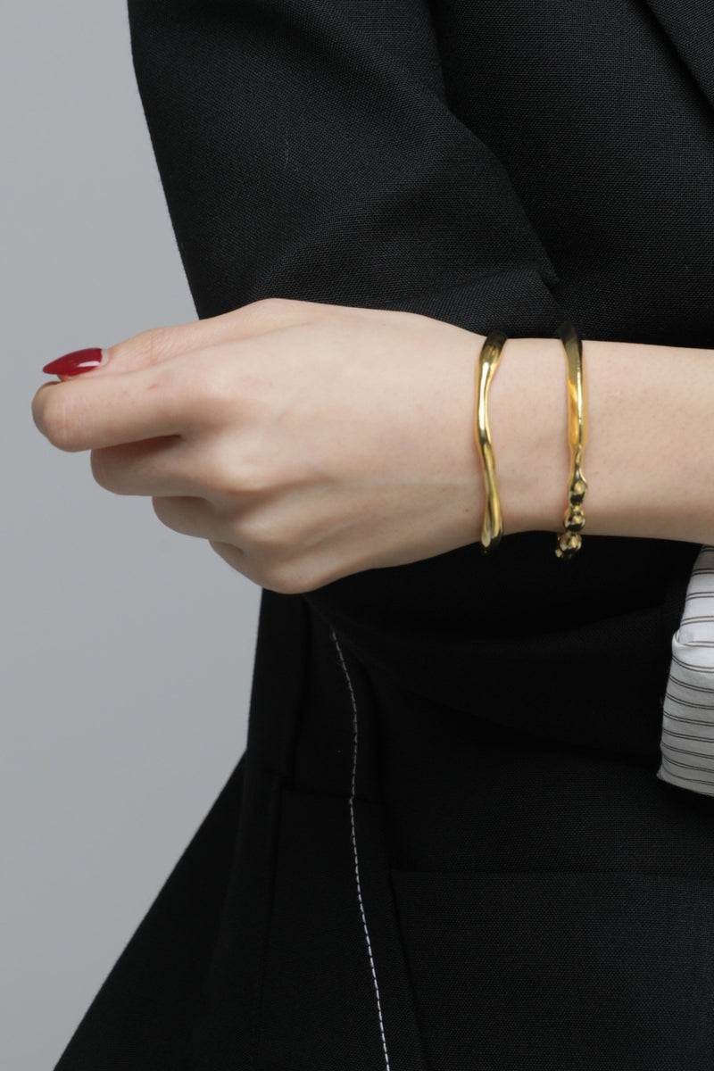 Gold Floating Bony Bracelet