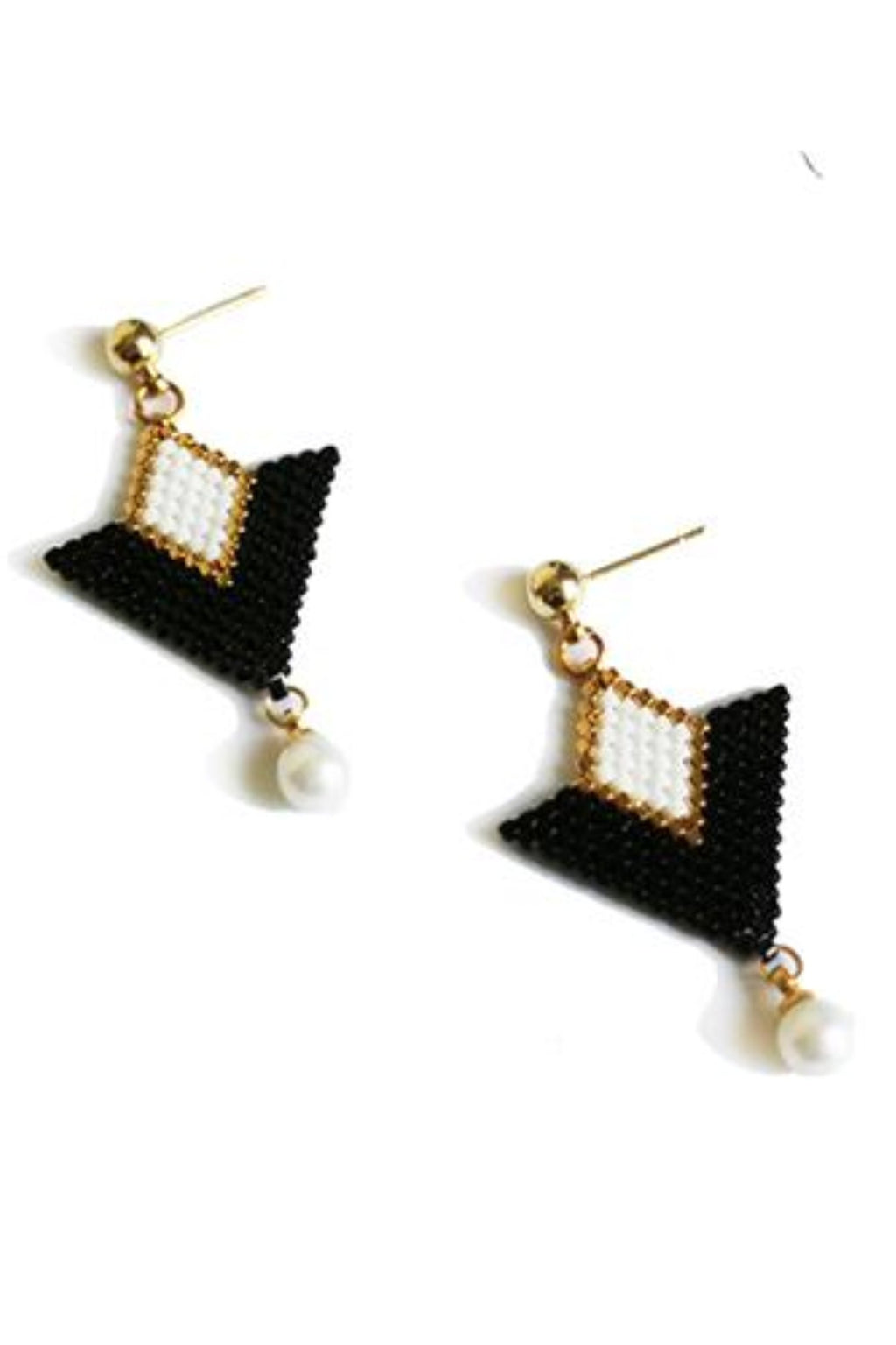 XIU inverted triangle ear-pins with pearls