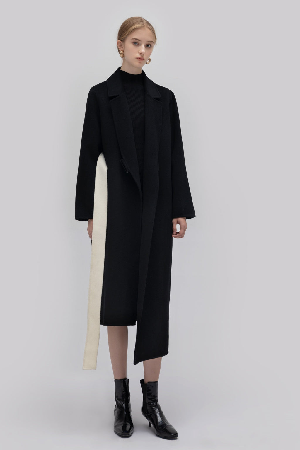 YUEL XIANG asymmetrical long coat