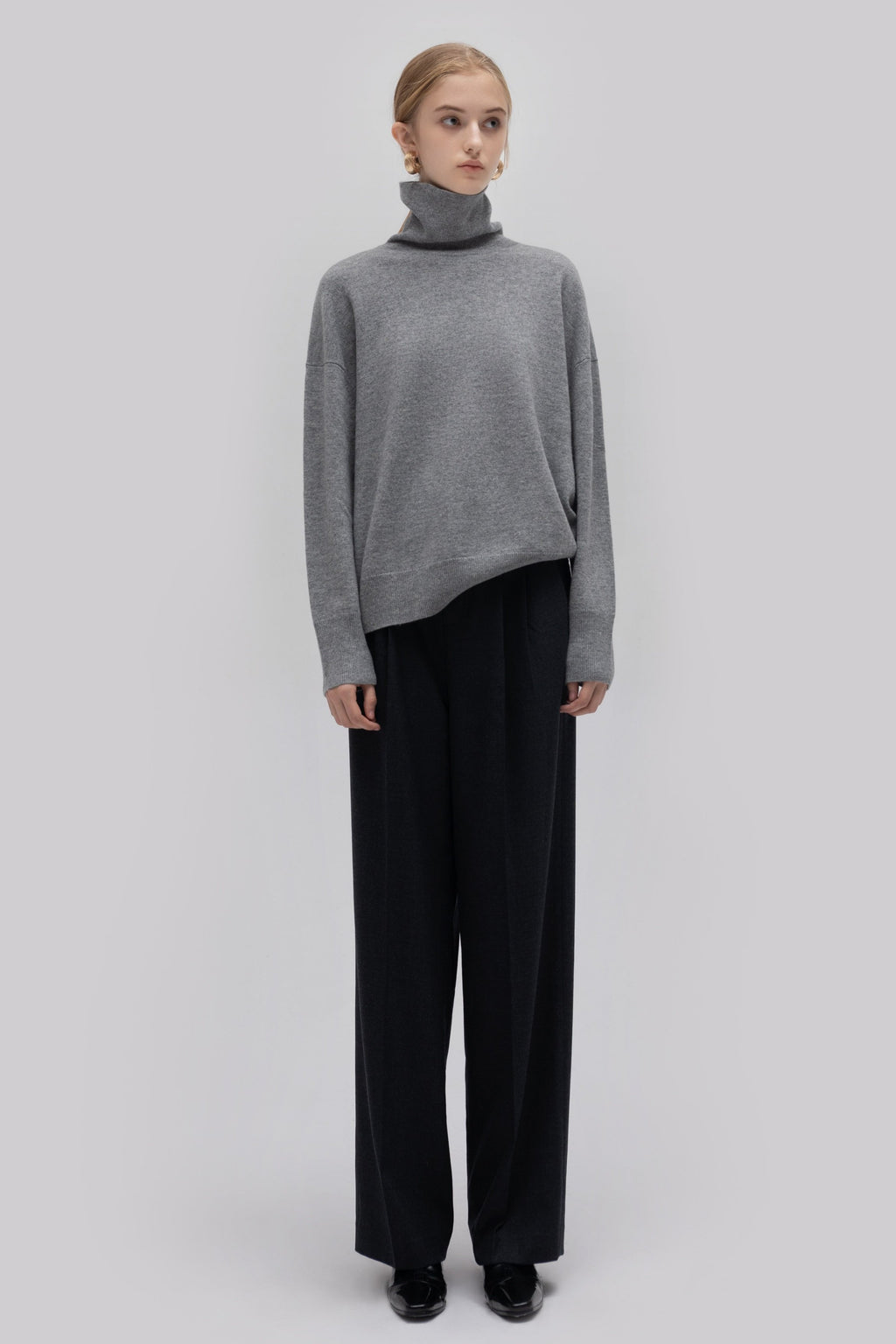 YUEL XIANG turtle neck wool sweater