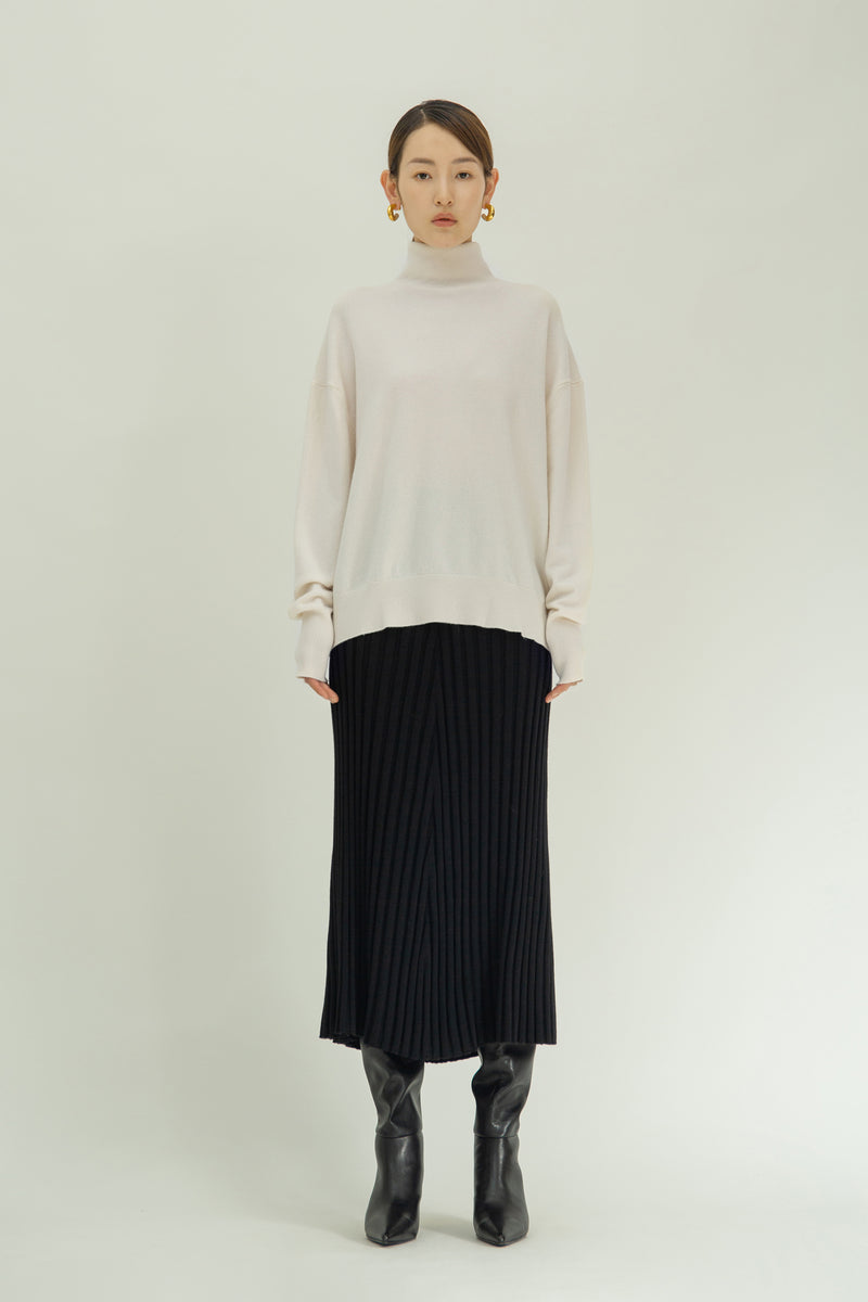 Cashmere-blend turtleneck sweater