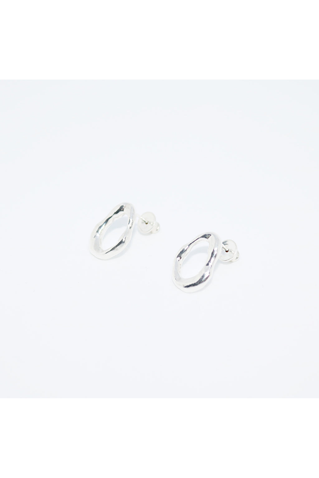 PICOMENT silver flow long grip circle earrings