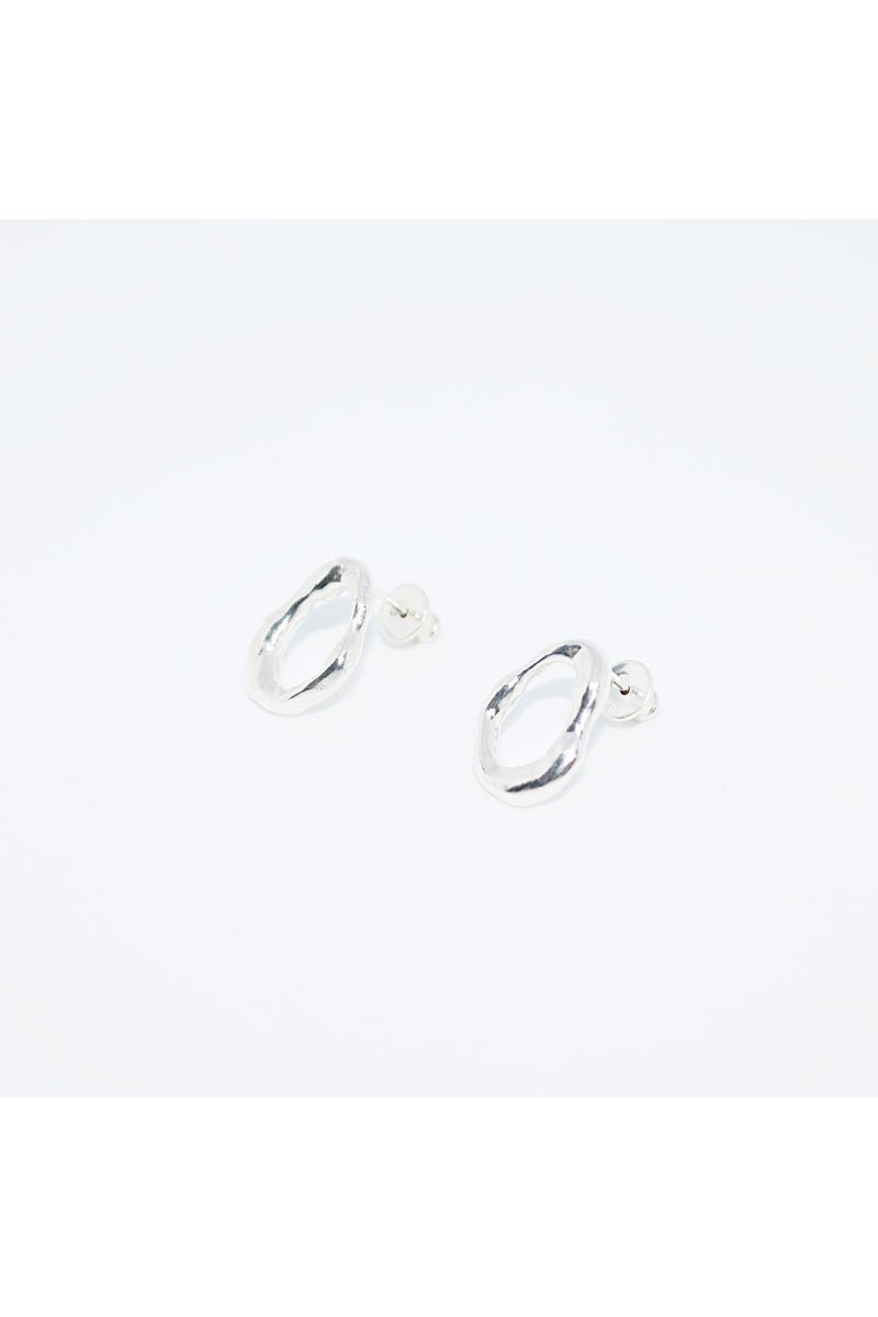 Silver Flow Long Grip Circle Earrings