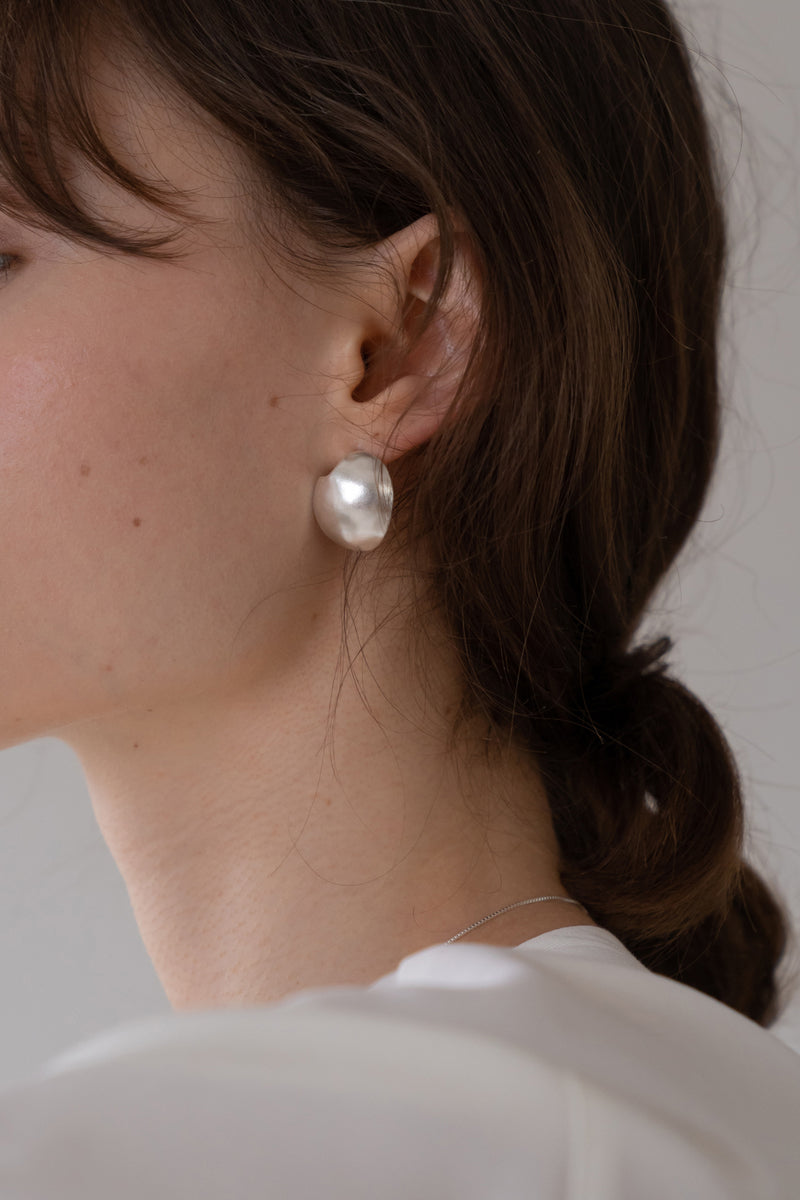 Conves Oval Fragment Earrings