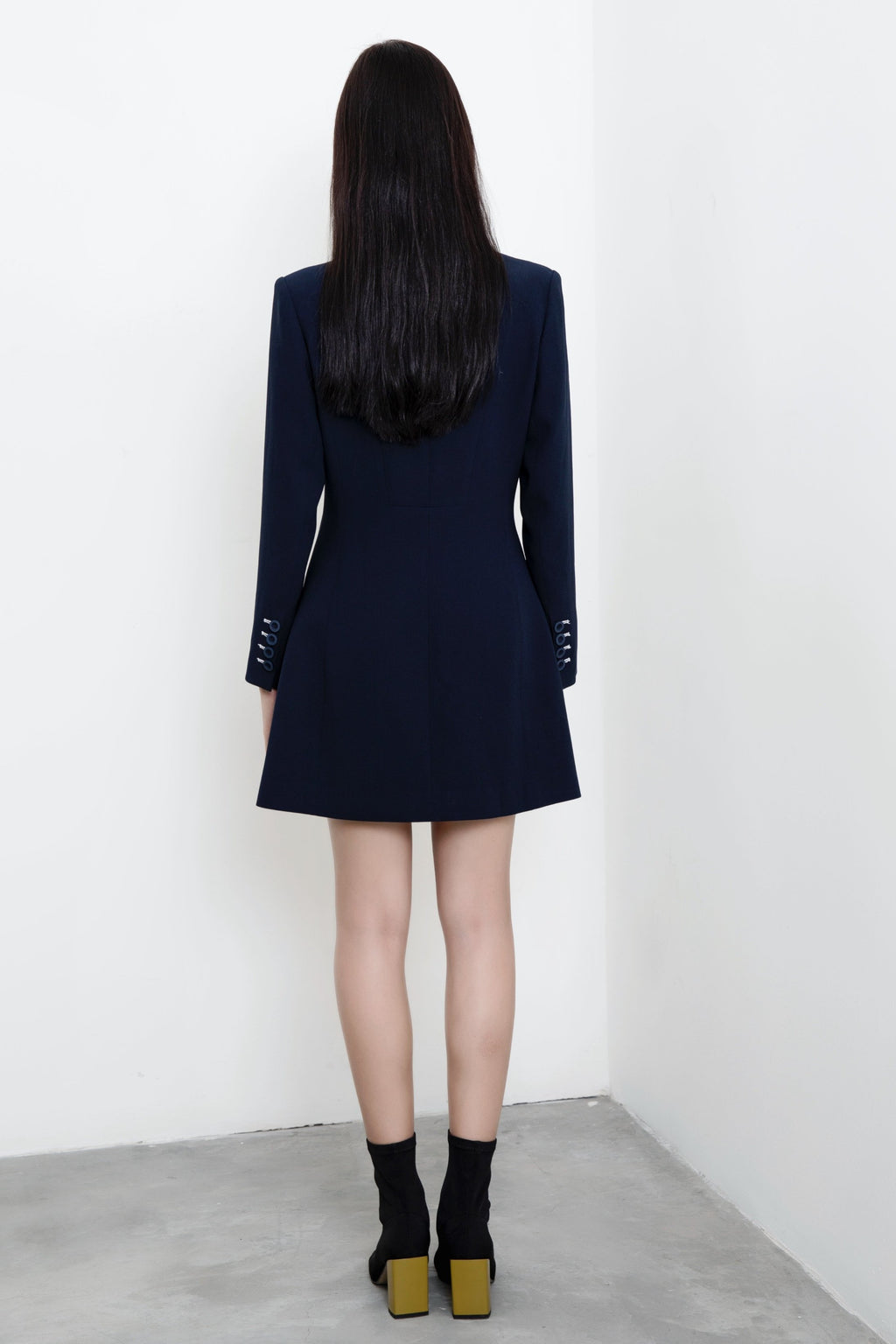 FEVER WANG double-breasted triangle collar dress