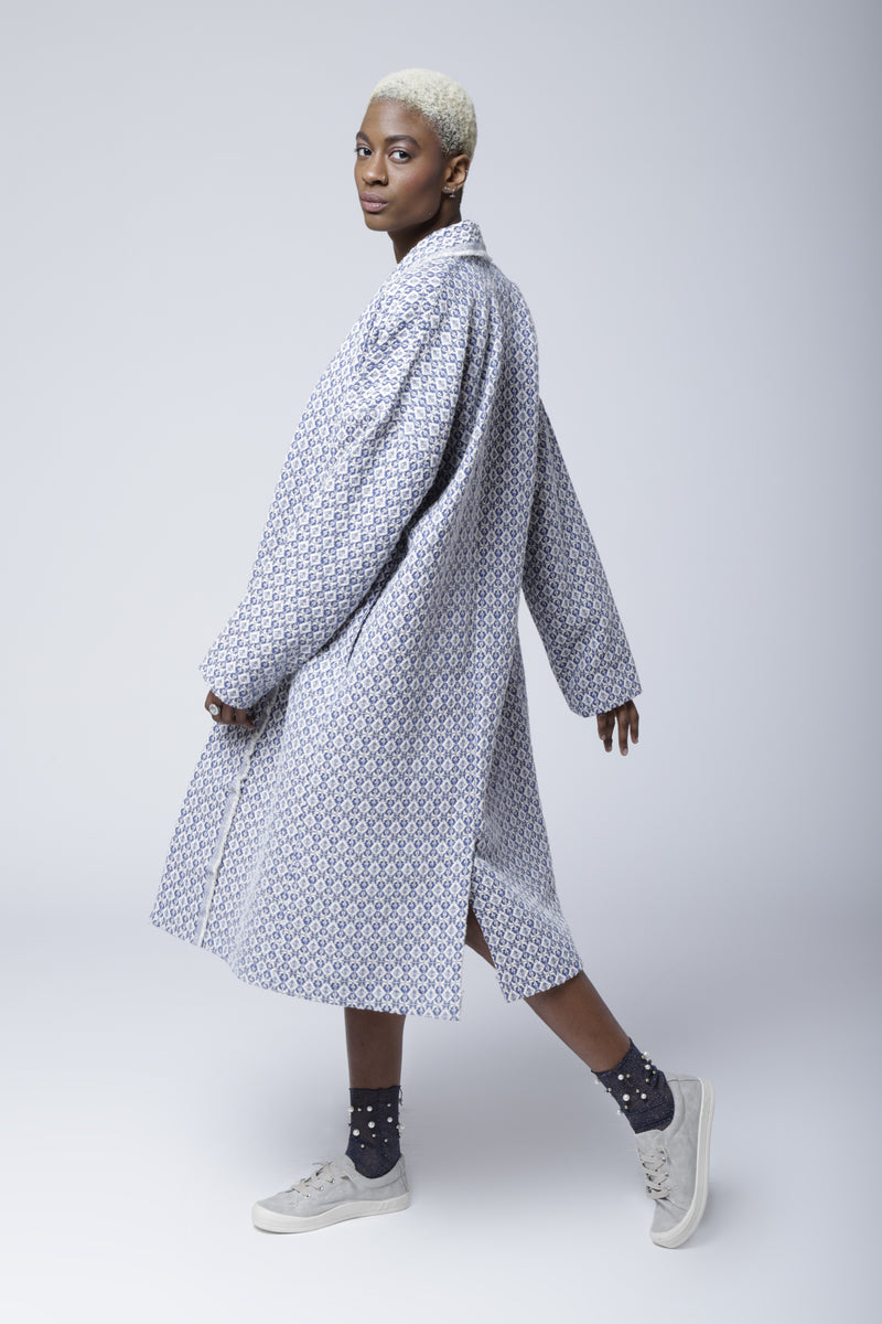 C2 | Slouchy coat: white and blue