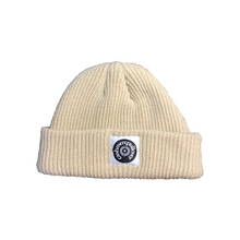 Load image into Gallery viewer, LOGO SHORT BEANIE / BEIGE