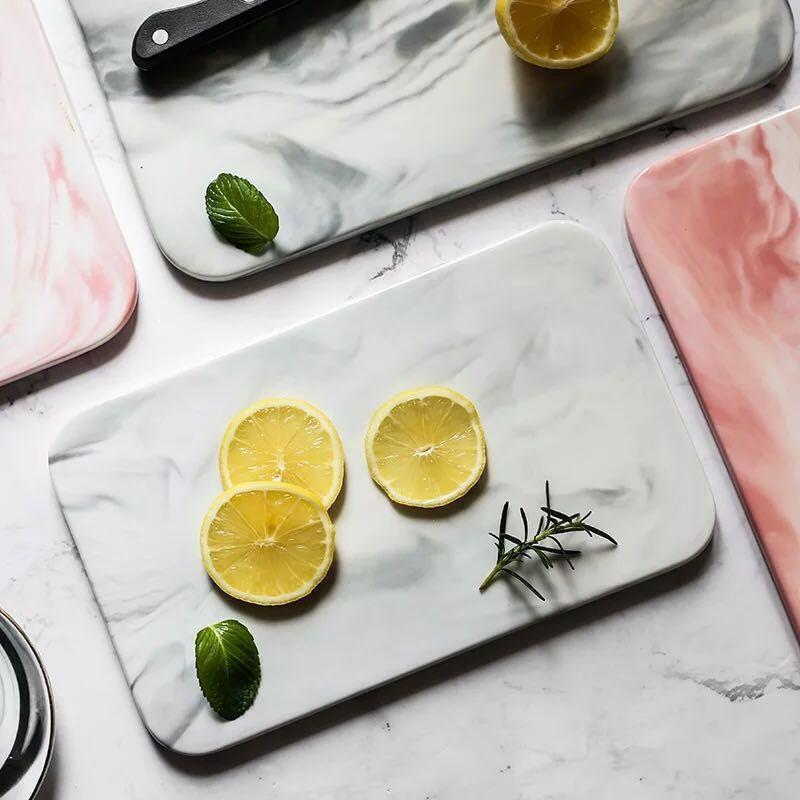 Surreal Marble-effect Chopping board