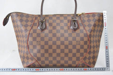 Load image into Gallery viewer, Louis Vuitton 2015 Damier Ebene Caïssa Hobo