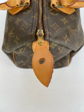 Load image into Gallery viewer, Louis Vuitton Monogram Speedy 30