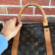 Load image into Gallery viewer, Louis Vuitton Monogram Keepall 60 Travel Duffle
