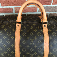Load image into Gallery viewer, Louis Vuitton Monogram Keepall 60 Travel Carry On