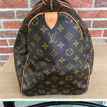 Load image into Gallery viewer, Louis Vuitton Monogram Keepall 50