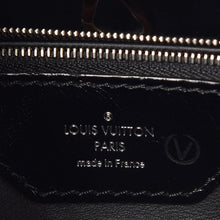 Load image into Gallery viewer, Louis Vuitton Taurillon Capucines MM