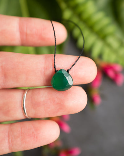 Green Onyx Vegan Silk Necklace