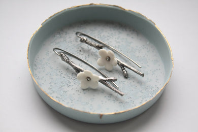 Oxidized solid sterling silver earrings with stoneware porcelain flowers - silver twig earrings