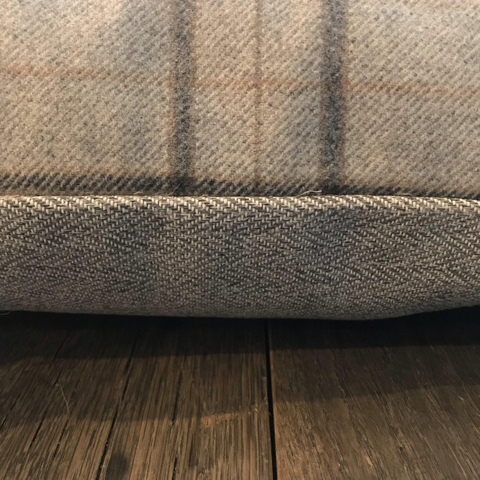 Beautiful for sale: British Traditional Wool Tartan Plaid Pillow with herringbone back for alternate look