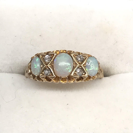 Stunning 18k Gold Opal and Diamond Ring from England