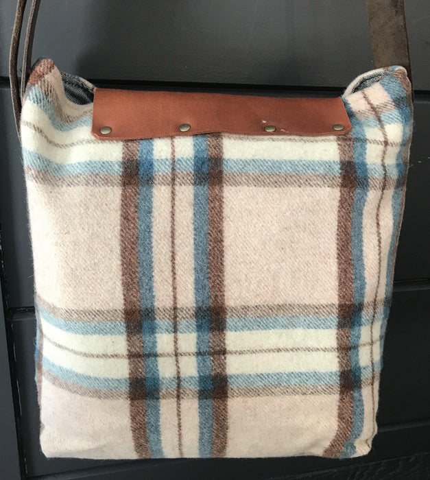 Handbag British Artist-made Vintage Wool Blanket Bag/Purse for sale antique gorgeous