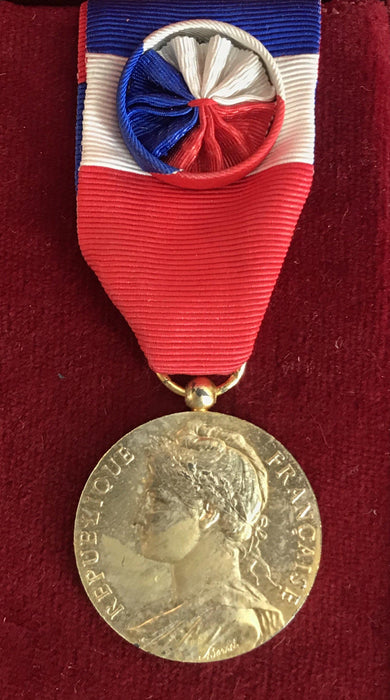 To Sell: Signed French Medal/Award from the Ministry of Social Affairs