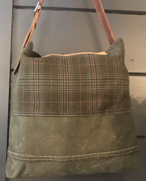 Like dogs? buy this British Hunting Plaid Bag/Purse with embroidered German Shepherd dog