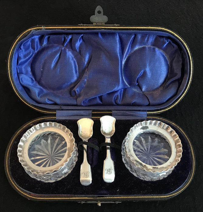 For sale: British Silver and Crystal Salt/Pepper with Spoons in Original Leather Case