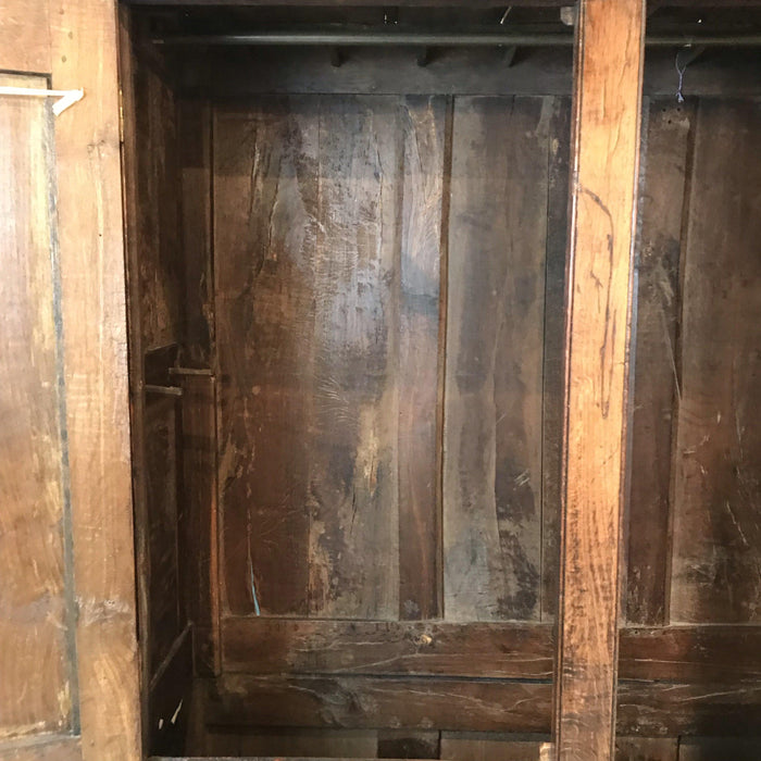 Great 18th Century Early Oak Welsh Wardrobe/Armoire/Clothes Press/Housekeeper's Hanging Cupboard