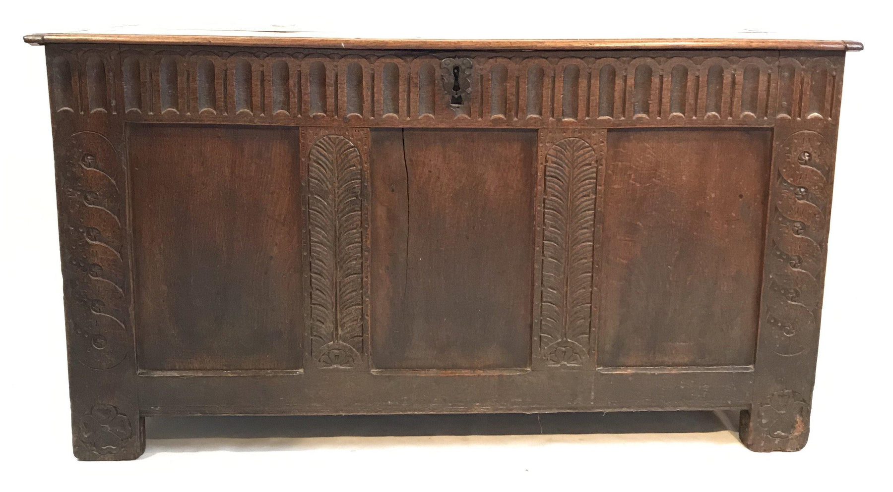 For sale: Early 18th Century British Coffer