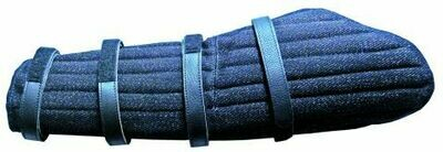 Hidden sleeve padded with velcro fasteneings left
