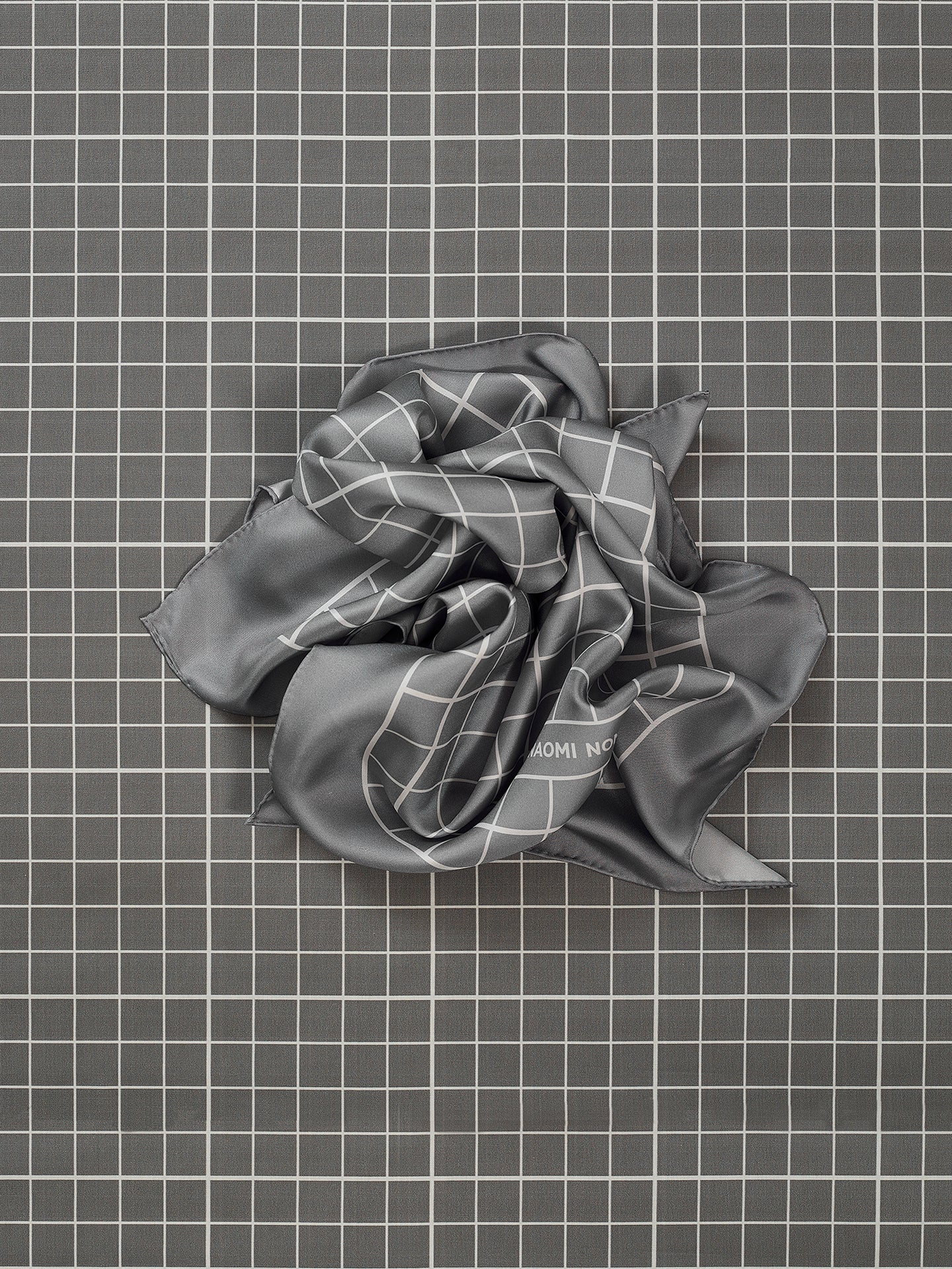 Cutting Mat Scarf (Grey)