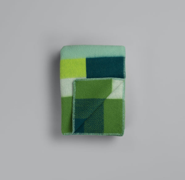 Roros Blanket/Throw - Mikkel Green