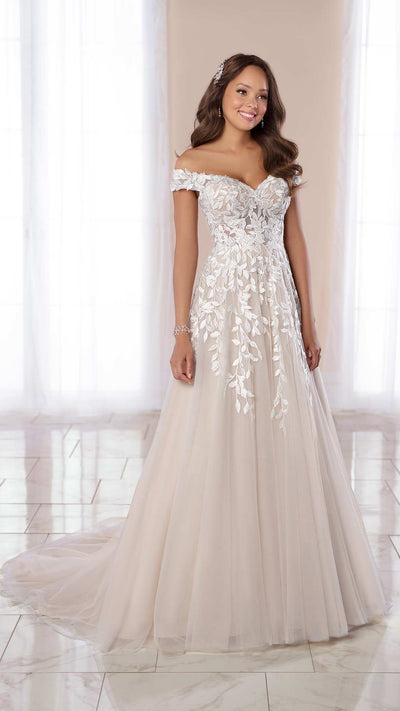 Romantic Stella York A-line Wedding Gown with Organic Leaf Pattern 7012