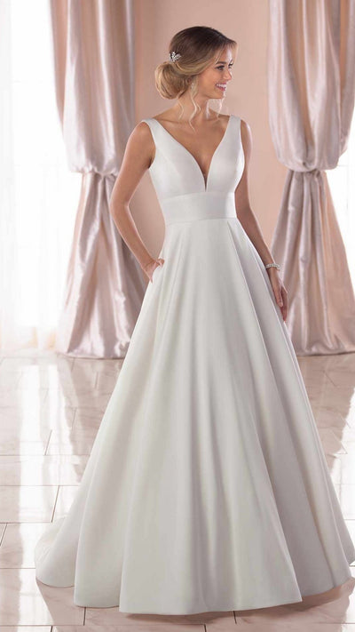 Royal-Inspired Simple Wedding Dress Stella York 6758
