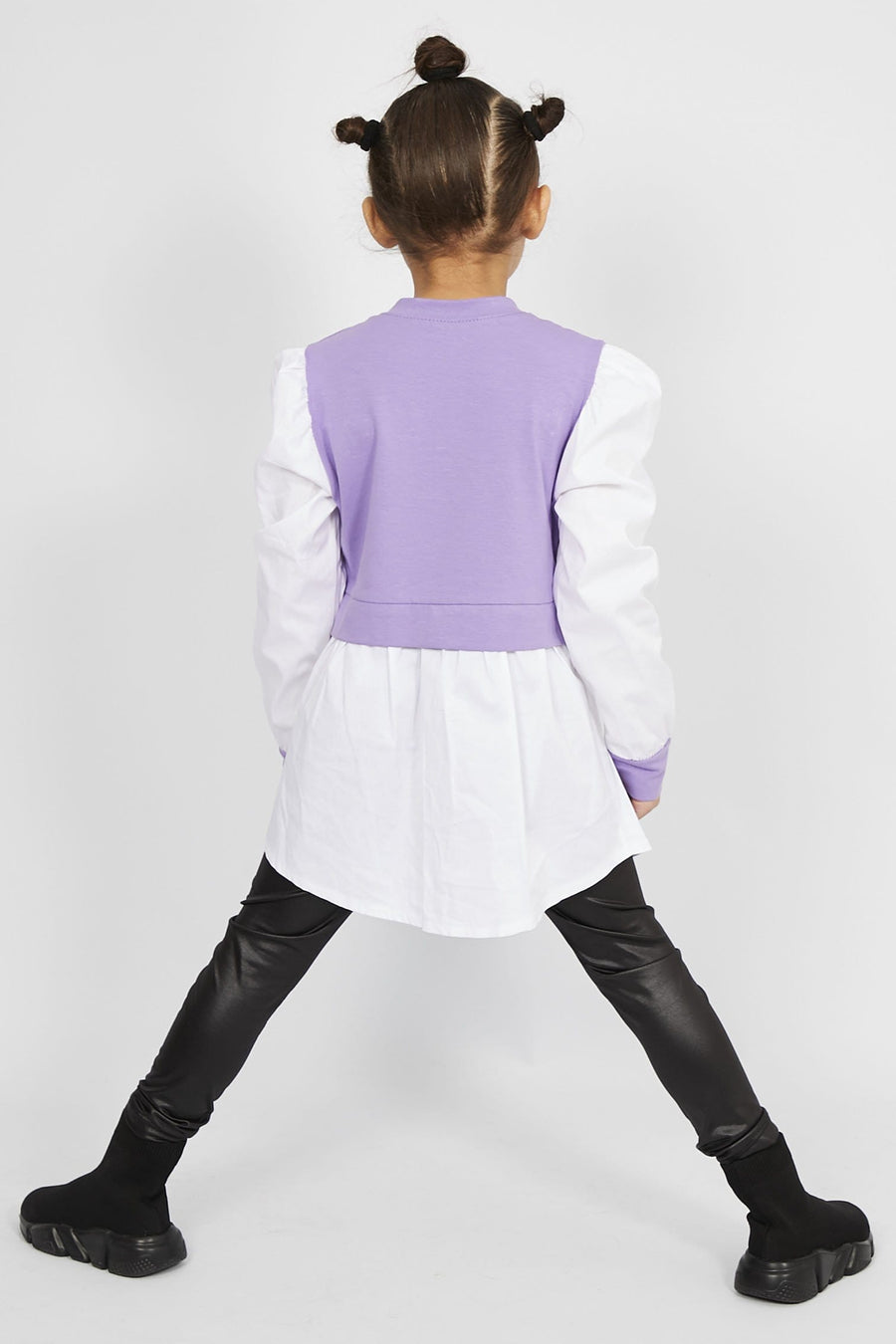 Leona Shirt Lilac Sweater Gold Chain with Black Faux Leather Leggings