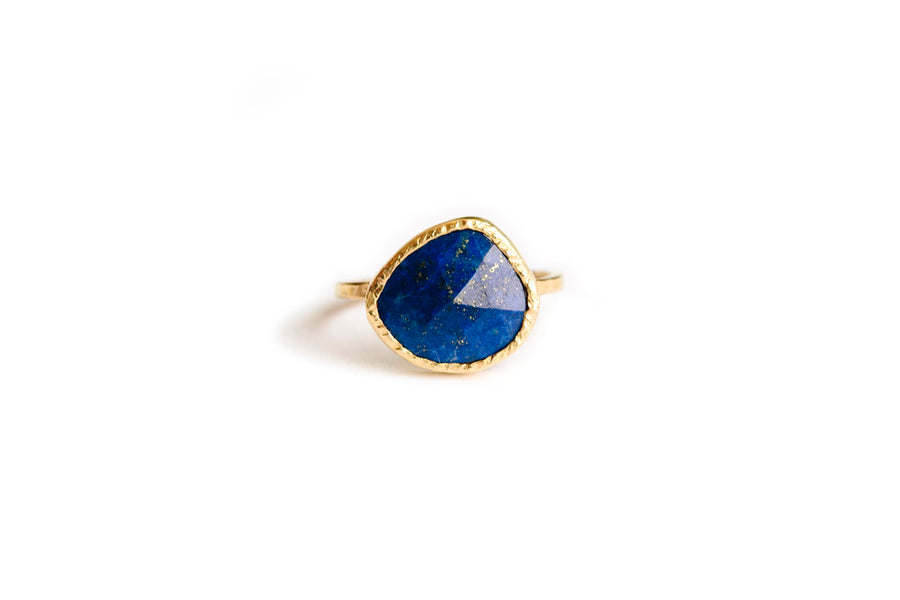 Lapis Dreams | Rose Cut Lapis Lazuli Hammered 14k Gold Engagement Ring - Melissa Tyson Designs