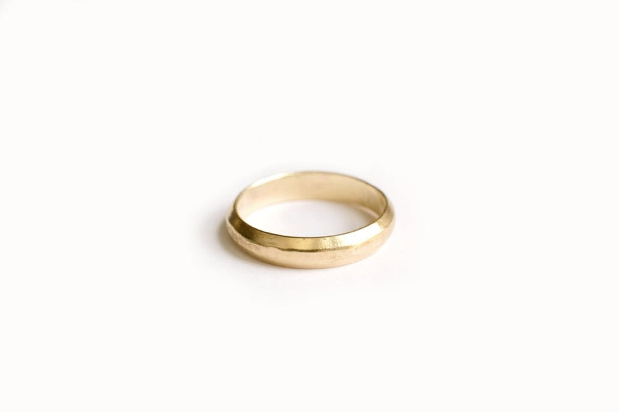 Recycled Hammered Gold Men's Wedding Band
