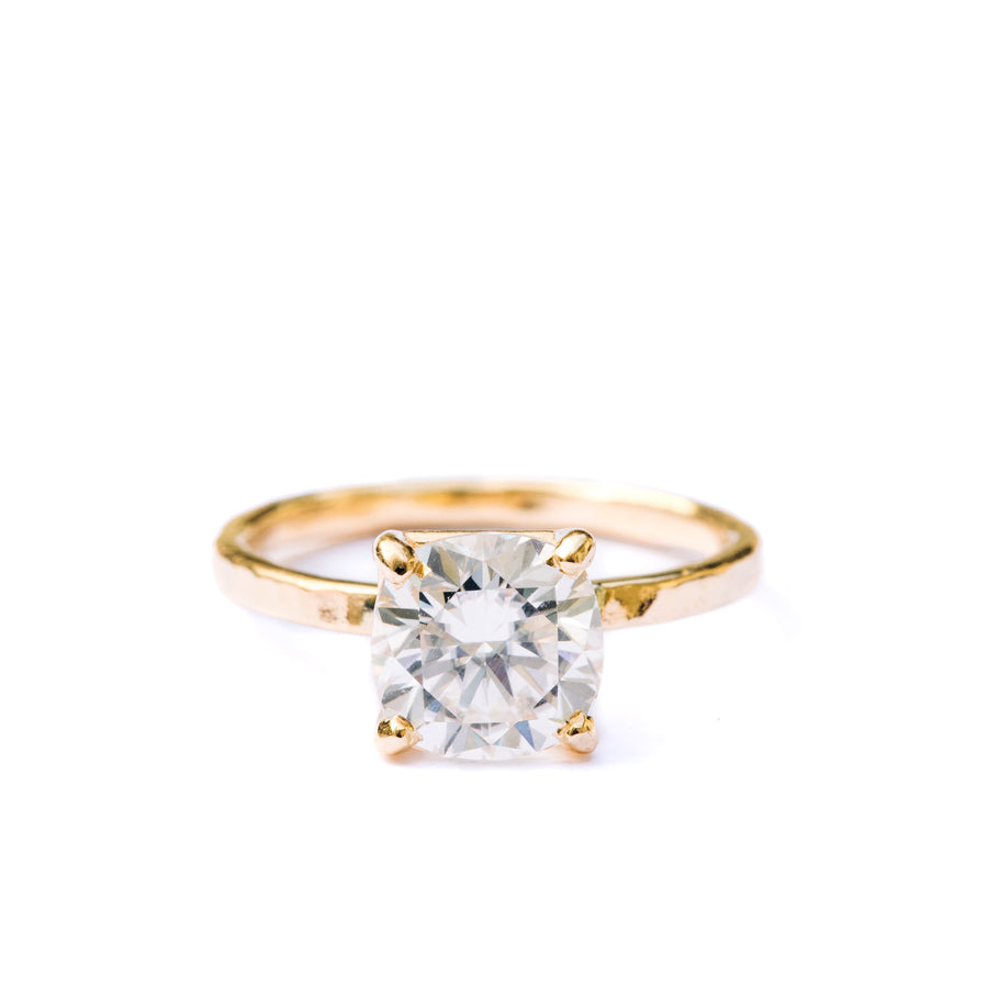 Eva | Cushion Cut Moissanite Engagement Ring Hammered 14k Gold Band