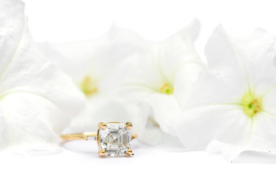 Asscher Cut Moissanite Engagment Ring with Diamond Baguettes