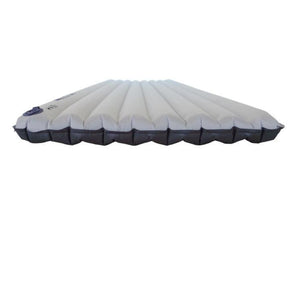 Inflatable sleeping pad