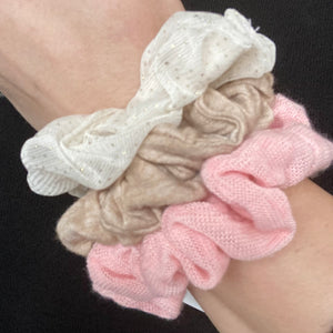 Scrunchie - Pink Knit