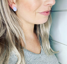 Load image into Gallery viewer, GS- Geode Teardrop Studs, Lavender