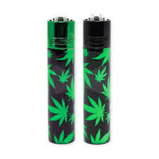METAL CLIPPER LIGHTER - BLACK WITH GREEN WEED LEAF DESIGN