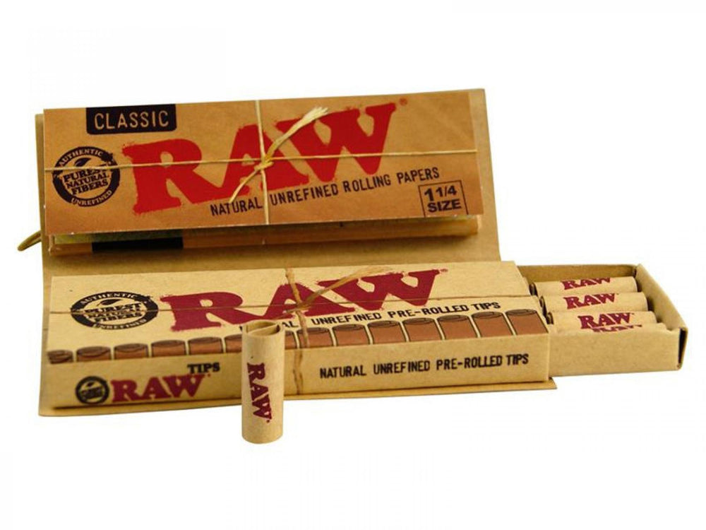 RAW CONNOISSEUR ROLLING PAPERS WITH PRE ROLLED TIPS