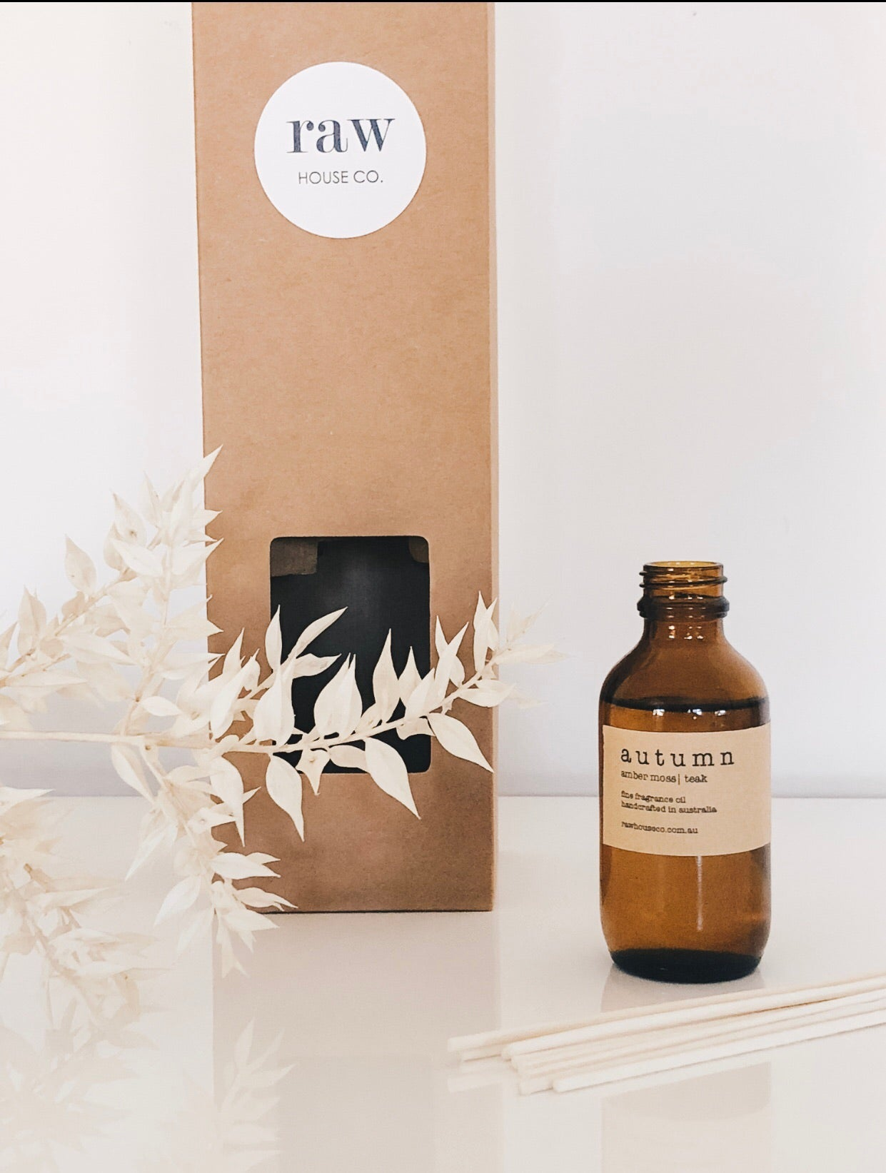 THE BLOOM:  JAPANESE HONEYSUCKLE REED DIFFUSER