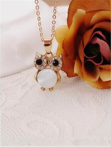 Owl Clavicle Chain Black and White Shell Pendant Necklace - socialblingz