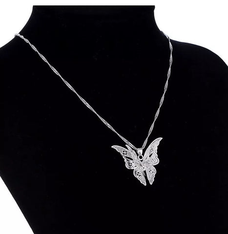 Elegant Hollow Out Butterfly Pendant Necklace