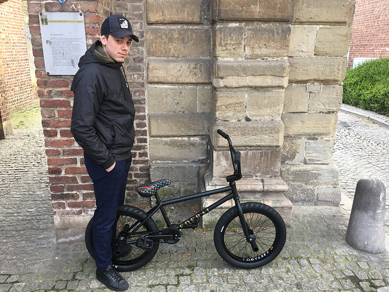 Blacked out, samengestelde Federal BMXBike