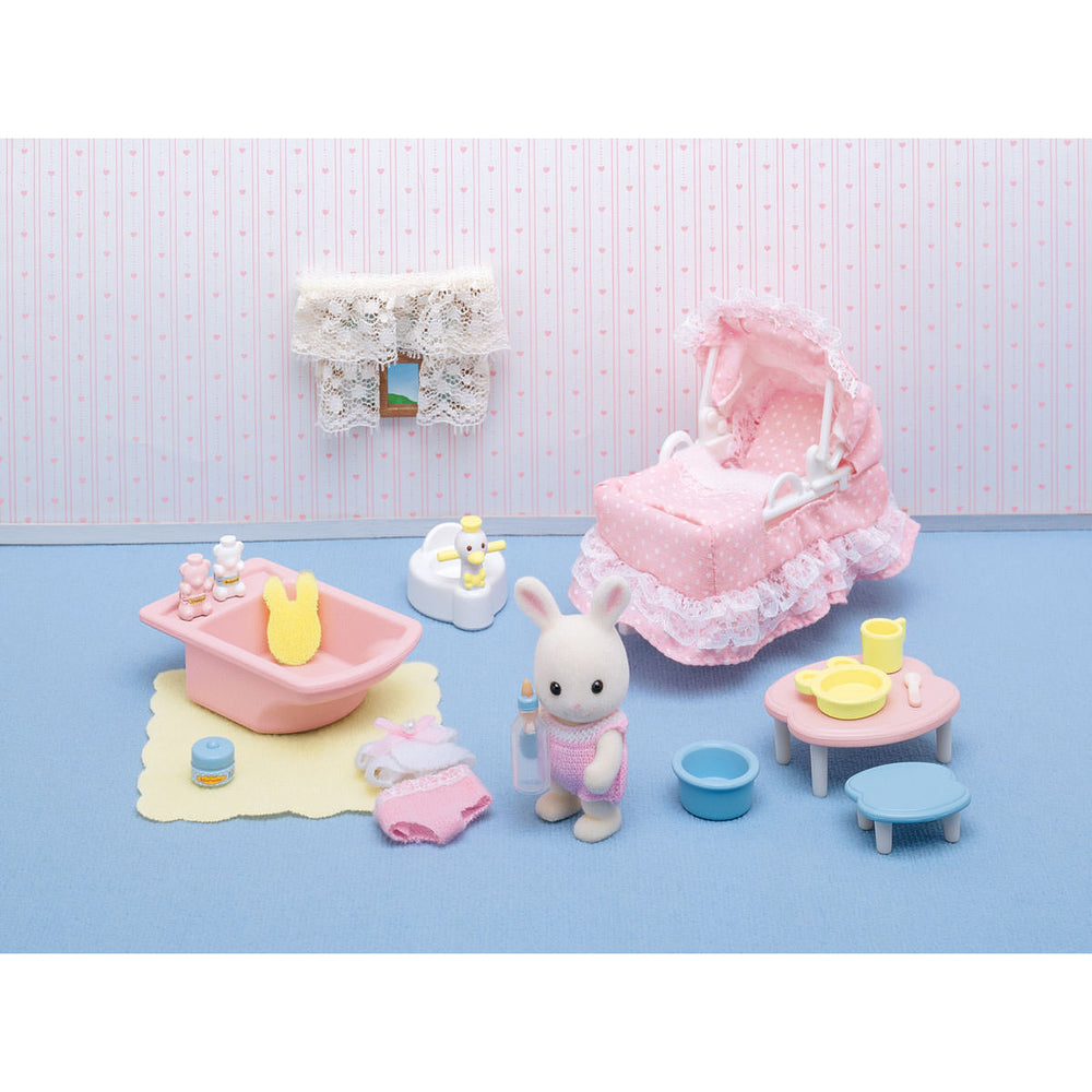 Calico Critters Babys Love N' Care