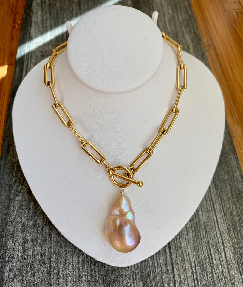 Pink Edison Baroque Pearl Chunky Toggle Necklace